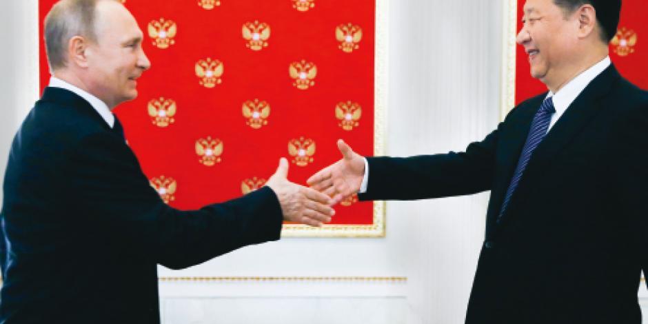 China se aleja de Trump y afianza lazos con Putin