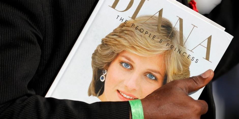 Llueven nuestras de cariño a la princesa Diana en su XX aniversario luctuoso