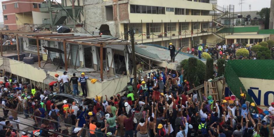 Reportan 25 muertos en escuela Rébsamen  tras derrumbe por sismo
