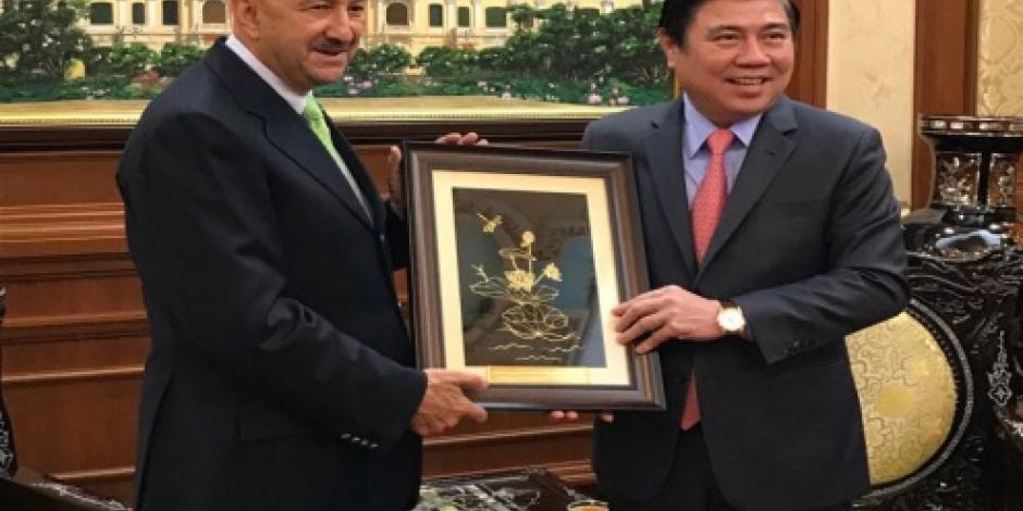 Expresidente de México Carlos Salinas de Gortari visita ciudad Ho Chi Minh en Vietnam