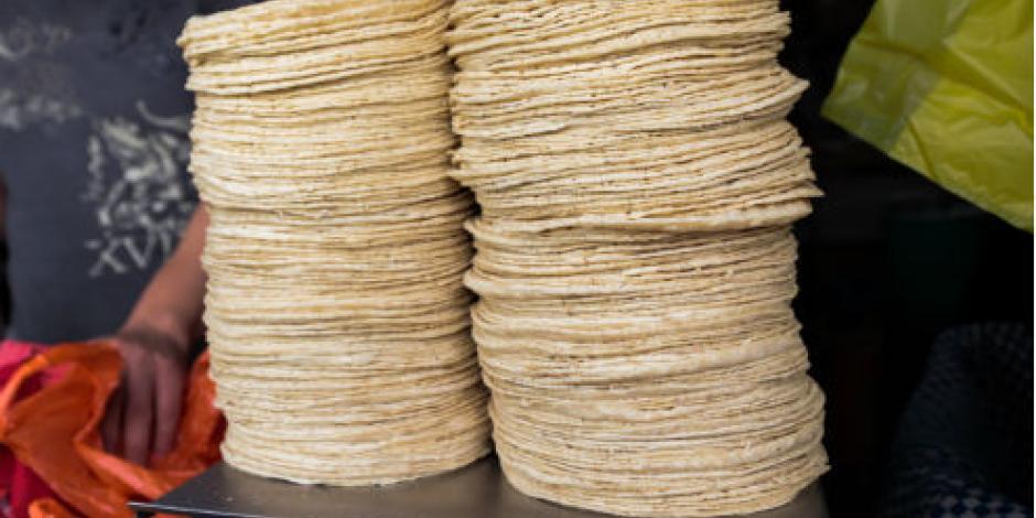 Mexicano crea máquina para hacer tortillas en el extranjero