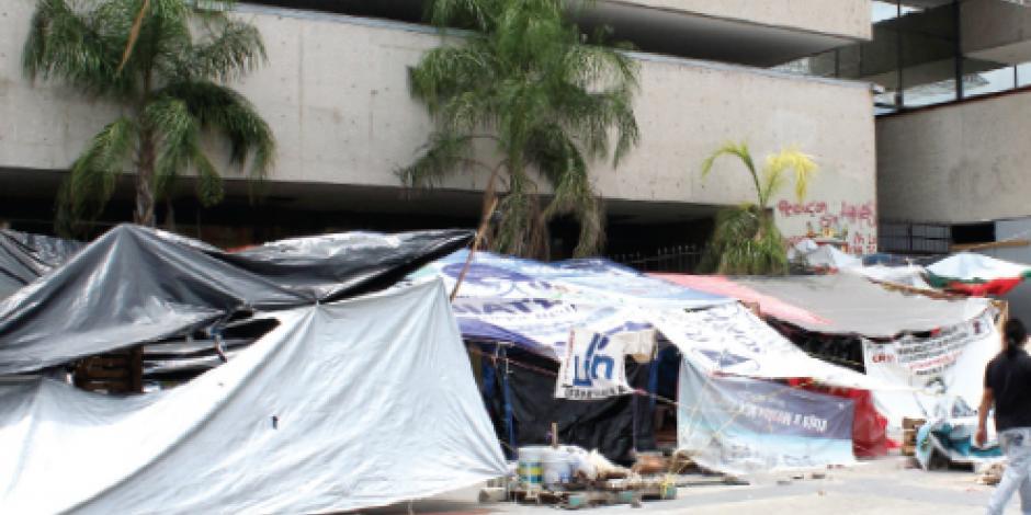 PAN y PRD exigen que se aplique ley a CNTE