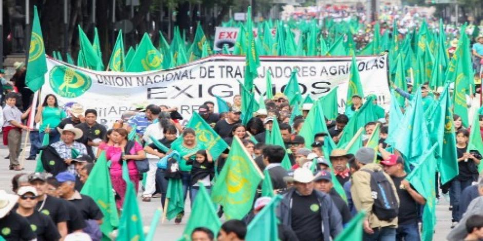 Campesinos instalan plantón; cierran de nuevo Bucareli