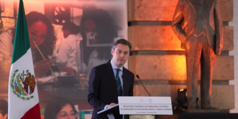 Educación, crucial para luchar contra la exclusión, señala Nuño
