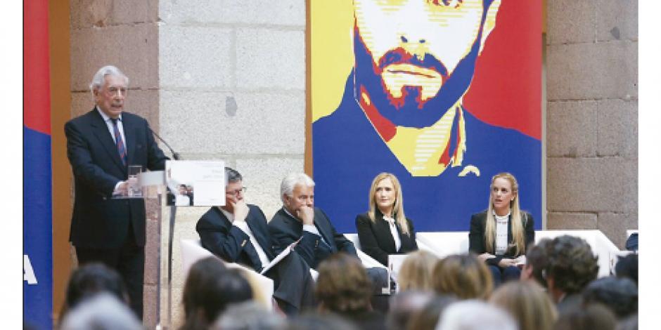 Vargas Llosa ve a López como héroe