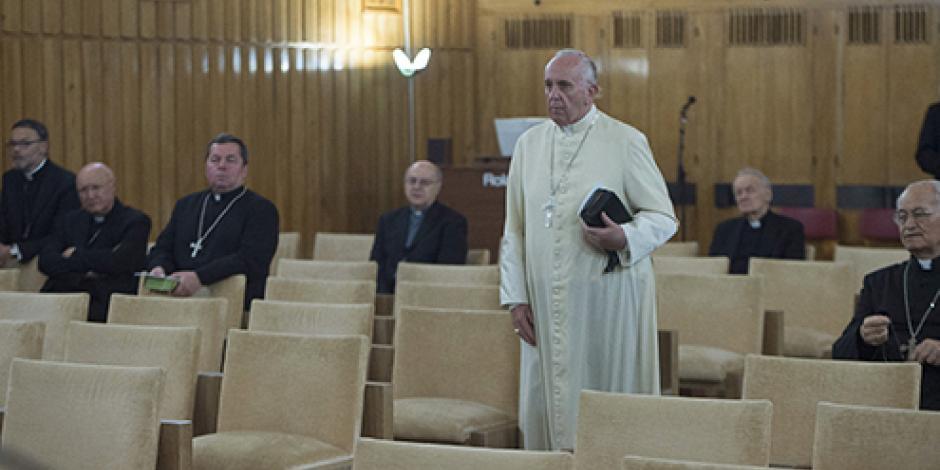 Papa impone control financiero en canonizaciones tras abusos