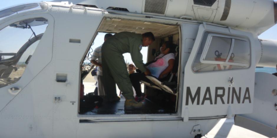 Nace una bebé en un helicóptero de la Marina Armada de México