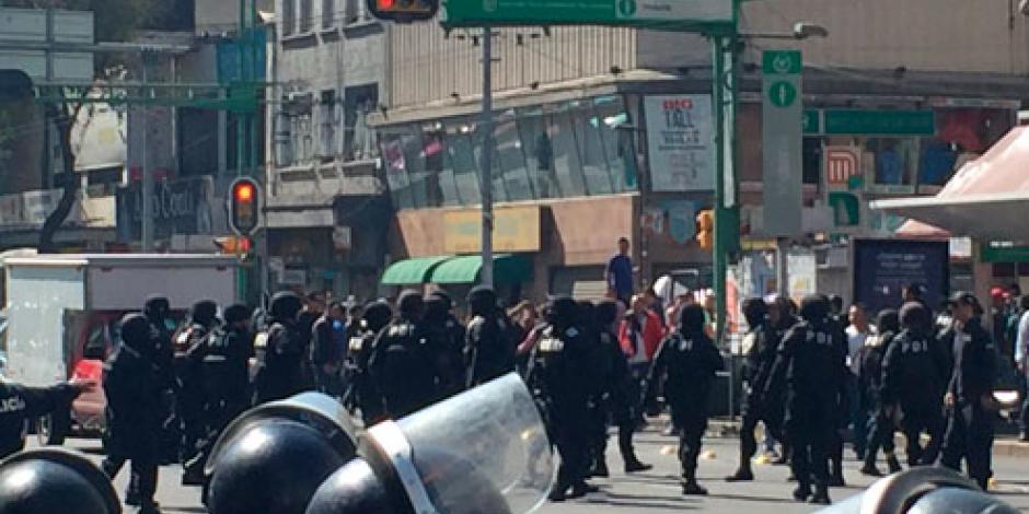 Detienen a 5 personas y confiscan mercancía en Eje Central