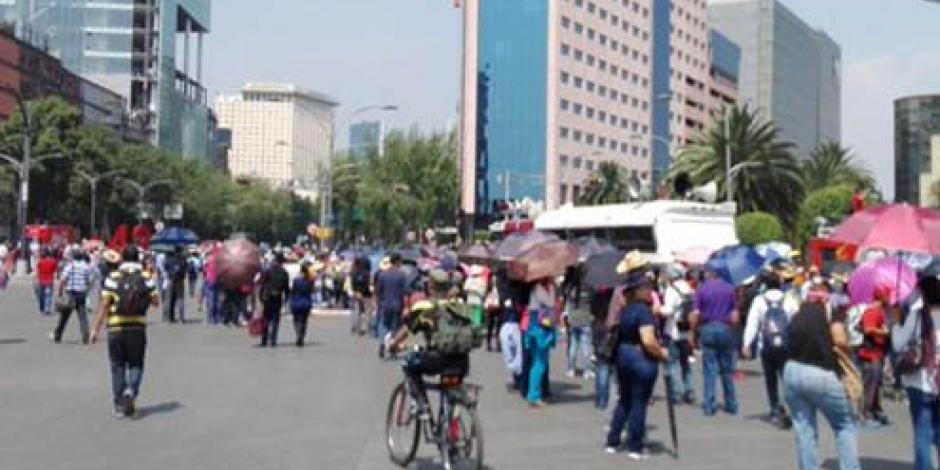 CNTE marcha hacia Los Pinos