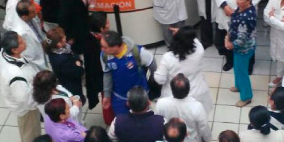 Previo a toma de protesta de Yunes, empleados del sector salud paran labores