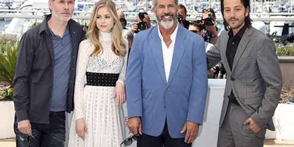 Mel Gibson y Diego Luna se presentan en Cannes