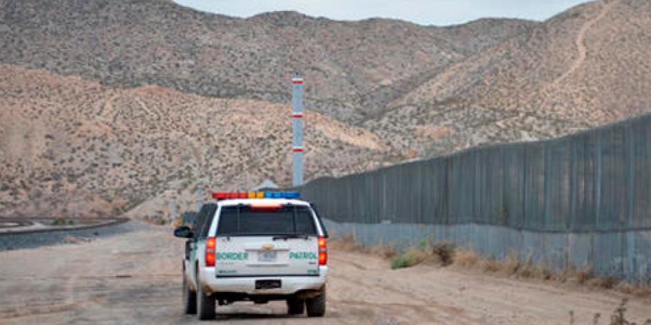 Policía de EU detiene a menor en Sonora por agresión a agente