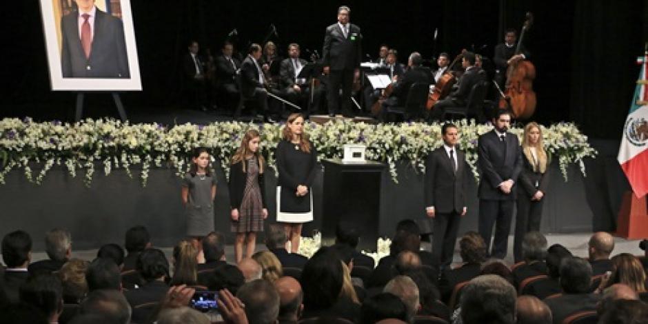 Francia envía condolencias a México por muerte de Tovar y de Teresa