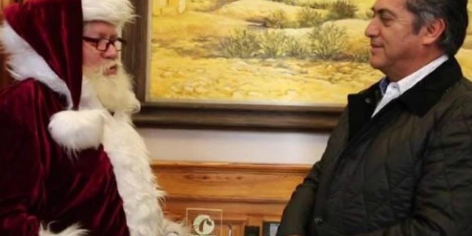 """VIDEO: ¡Santa sí existe! Visitó a """"El Bronco"""""""