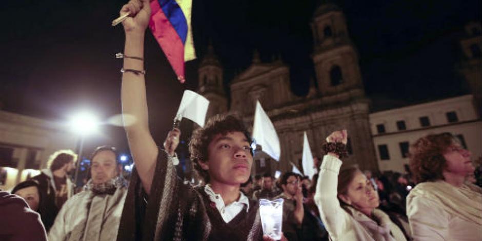 Marchan en ciudades colombianas a favor de mantener proceso de paz