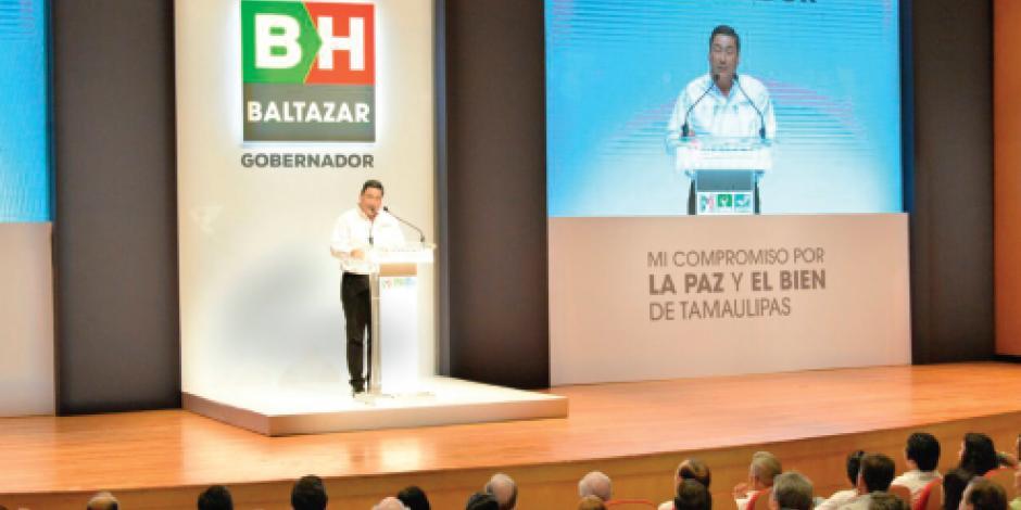 Hinojosa presenta su decálogo