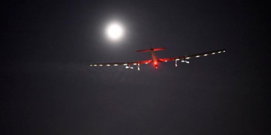 Solar Impulse II despega de Ohio para seguir recorriendo el mundo