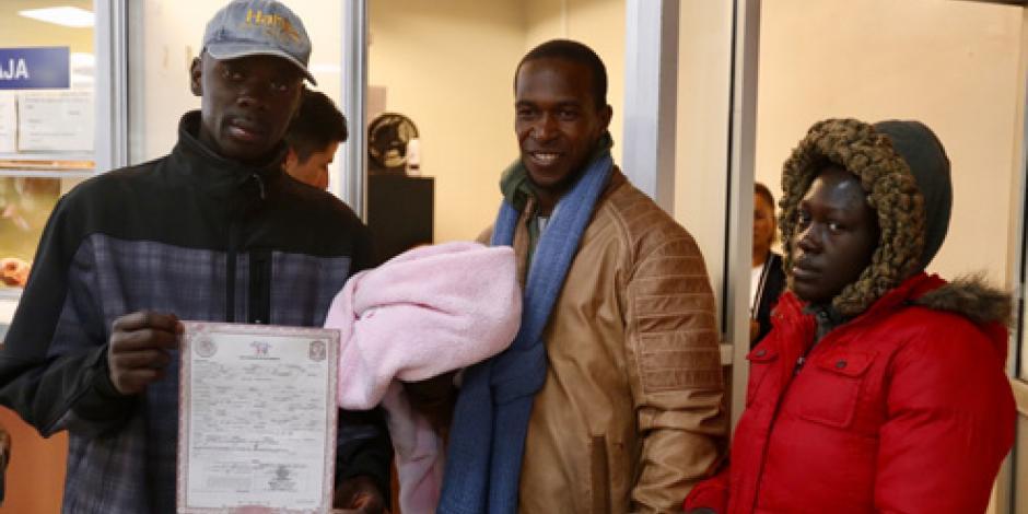 Registran a primera hija de migrantes haitianos nacida en Tijuana