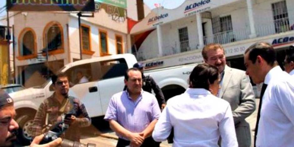 Fiscal de Veracruz acude a inspección de bar tiroteado