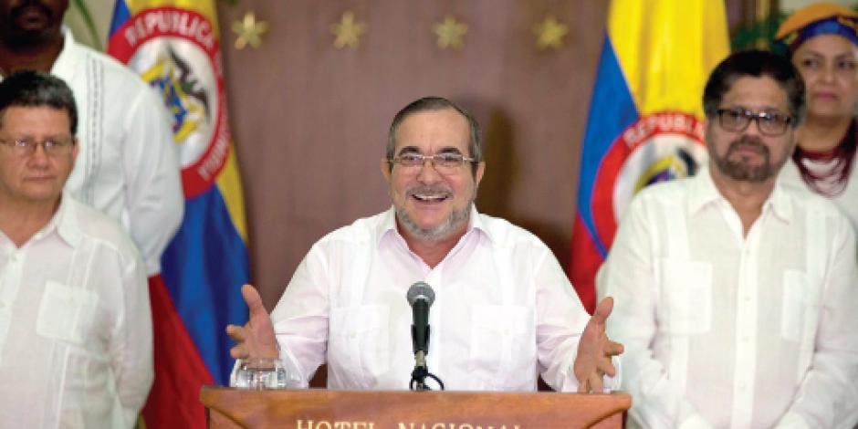 Tras acuerdo de paz, las FARC desarman a 6 mil combatientes