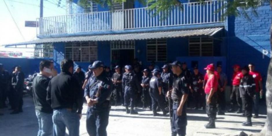 Inician paro, policías de Tixtla por falta de aguinaldo
