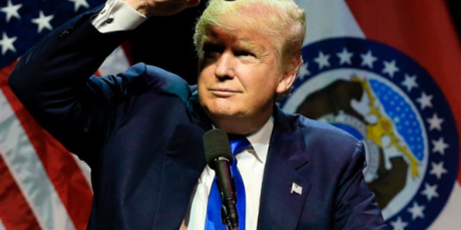 Manifestantes irrumpen en discurso de Trump, ahora en Kansas City