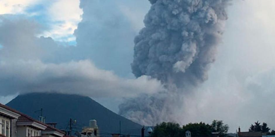 Cae ceniza en Chiapas proveniente de volcán en Guatemala