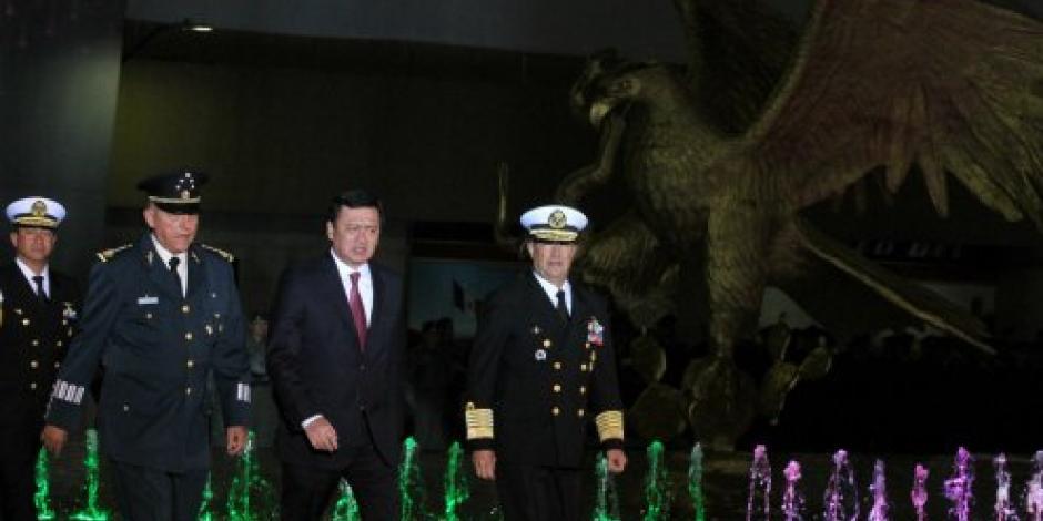 Fuerza Aérea, pilar en la construcción de México, destaca Osorio