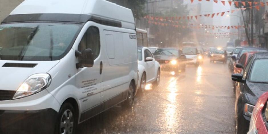 Ingresa un nuevo frente frío; se esperan fuertes lluvias