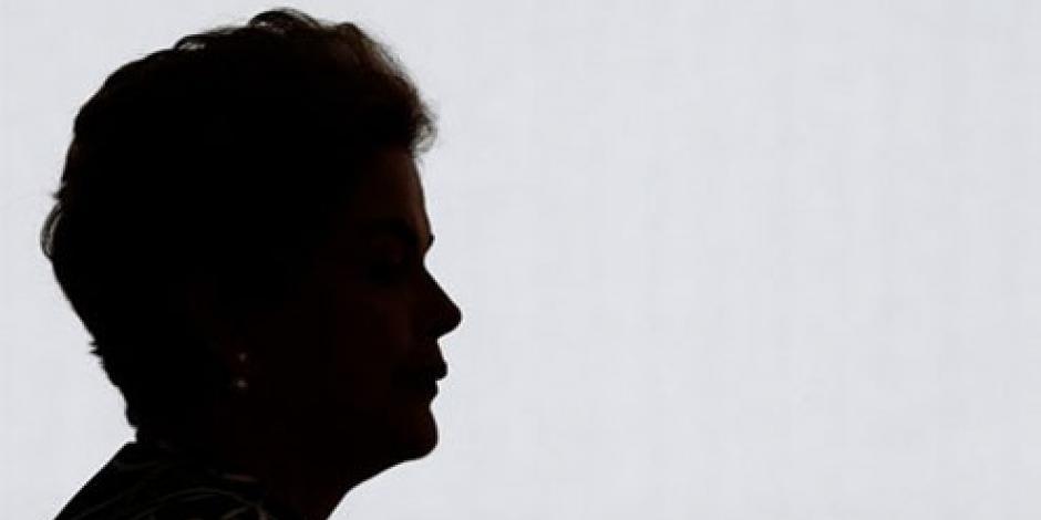 Líder legislativo suspende juicio contra Rousseff
