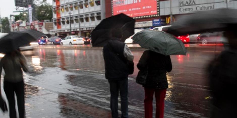 Se esperan fuertes lluvias por onda tropical 25