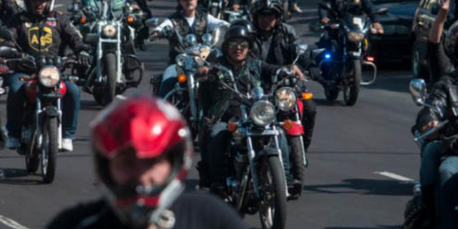 Analizan diputados y Semovi ordenamiento de motociclistas