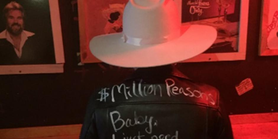 Lady Gaga sorprende en bar y canta parte de su nuevo álbum