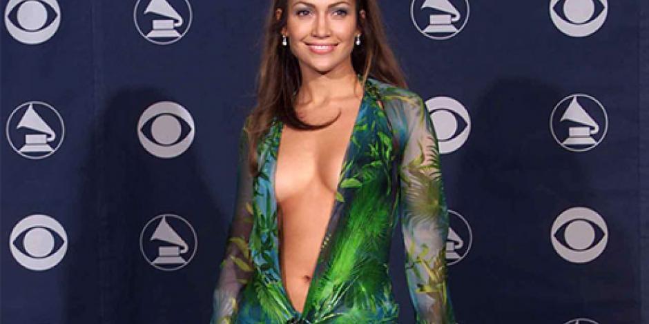 Jennifer Lopez confiesa poco agrado por vestido Versace