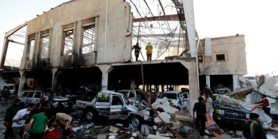 Bombardeo en funeraria de Yemen deja 140 muertos