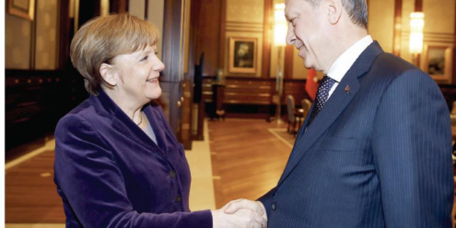 Turquía bloquea a 30 mil sirios e incumple acuerdo con la UE