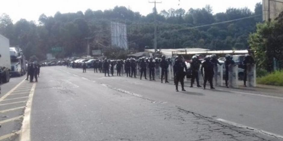 Liberan carretera en Uruapan tras bloqueo de aguacateros