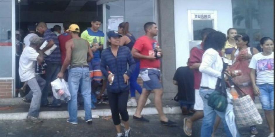 Continúan saqueos tras eliminación de billetes en Venezuela