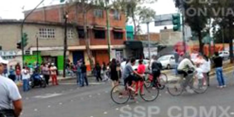 Por bloqueo suspenden cuatro estaciones de la Línea 6 del Metrobús
