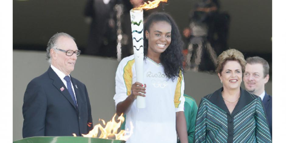 El Fuego Olímpico llega  a un país en crisis política
