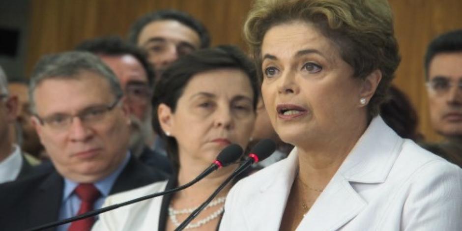 Avanza proceso de juicio político contra Rousseff