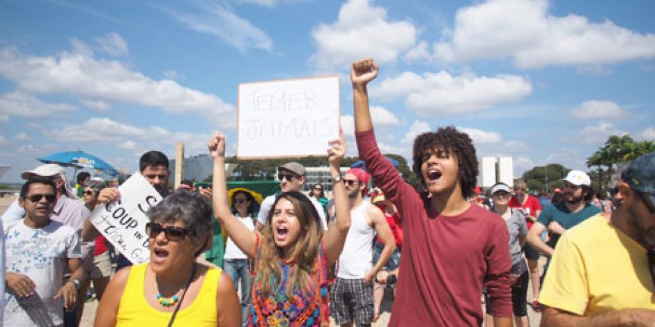 Brasileños opositores se manifiestan contra nuevo gobierno
