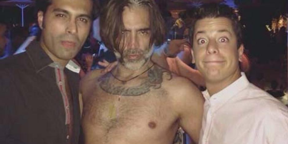 Difunden foto de Alejandro Fernández en supuesto antro gay