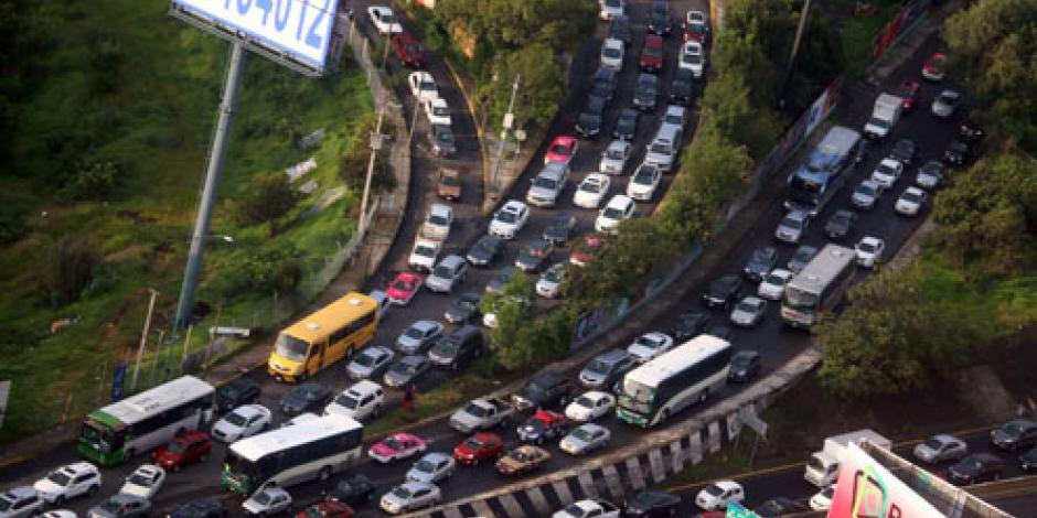 Este viernes no circulan vehículos con engomado azul