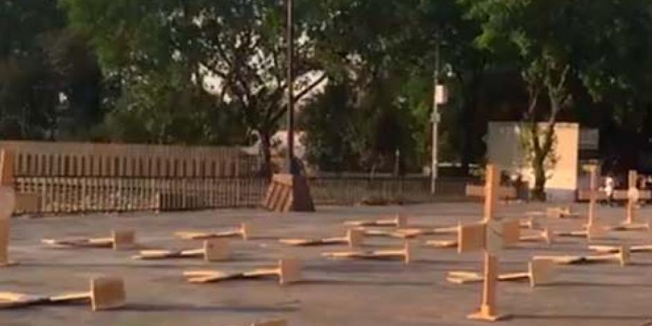 Descartan vandalismo en estructuras de cruces en Plaza de las Tres Culturas