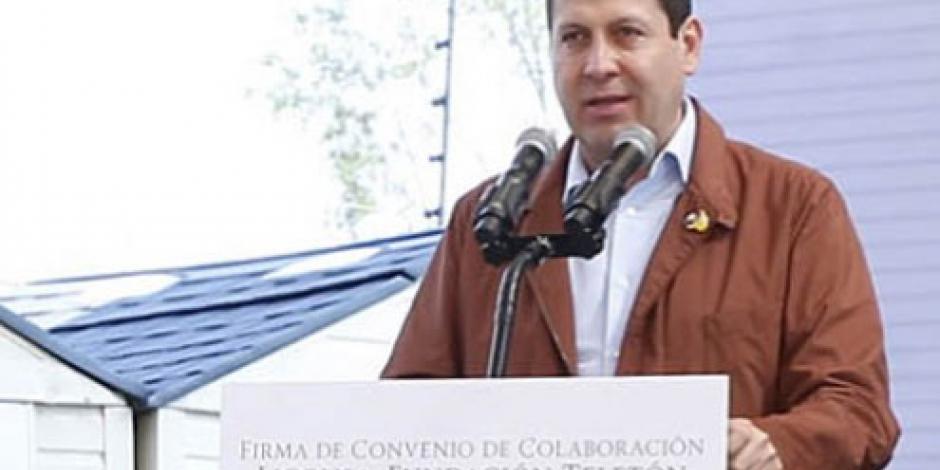 Llama Eruviel Ávila a sumar fuerzas contra los feminicidios