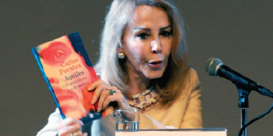 Alistan publicación de libro inédito de Fuentes