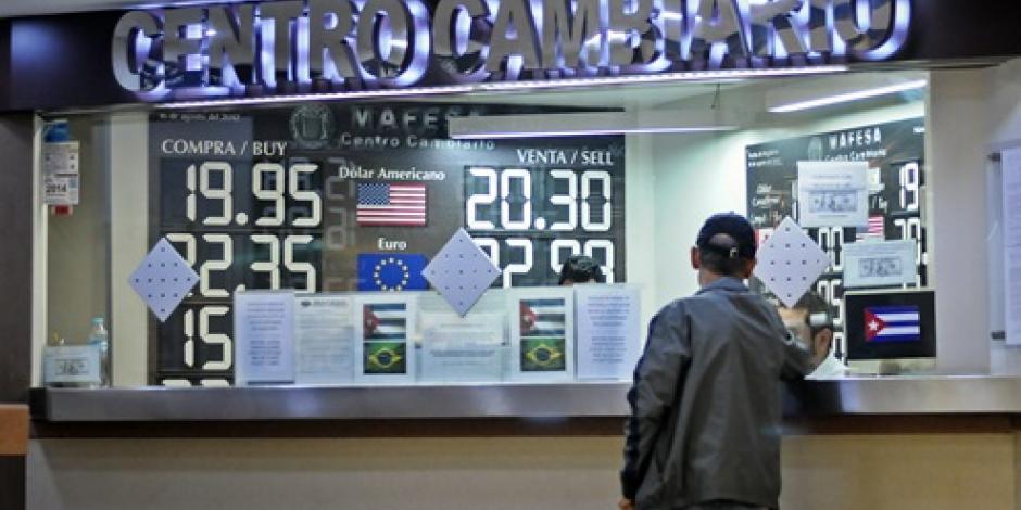 Dólar abre a la baja, se ubica en 21.08 pesos en bancos capitalinos