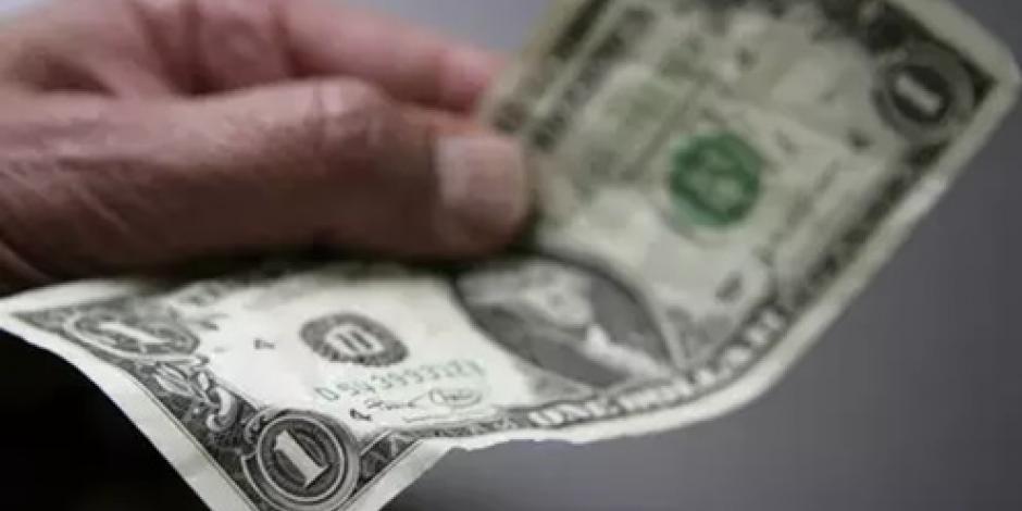 Dólar abre a la baja; cotiza en  18.93 pesos