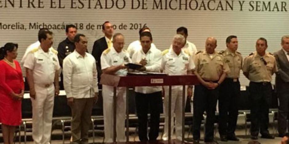 Construirán tres nuevas bases navales en Michoacán